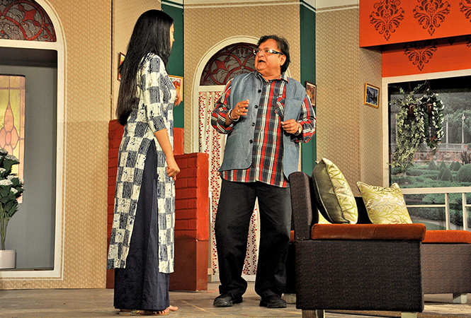 Shweta Tiwari and Rakesh Bedi in a scene from the play (BCCL/ AS Rathor)