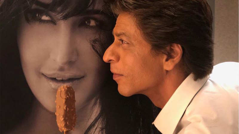 Shah Rukh Khan's witty answers to his fans