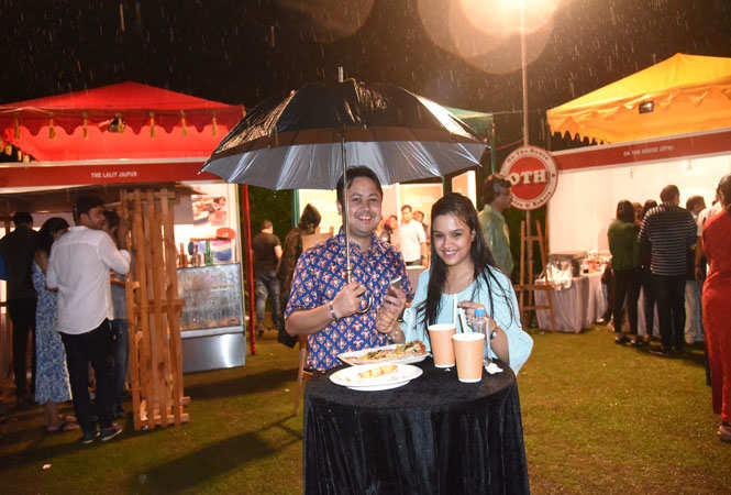 GARMA GARAM : Jaipurites relish hot delicacaies in the rain at the food fest at the event 