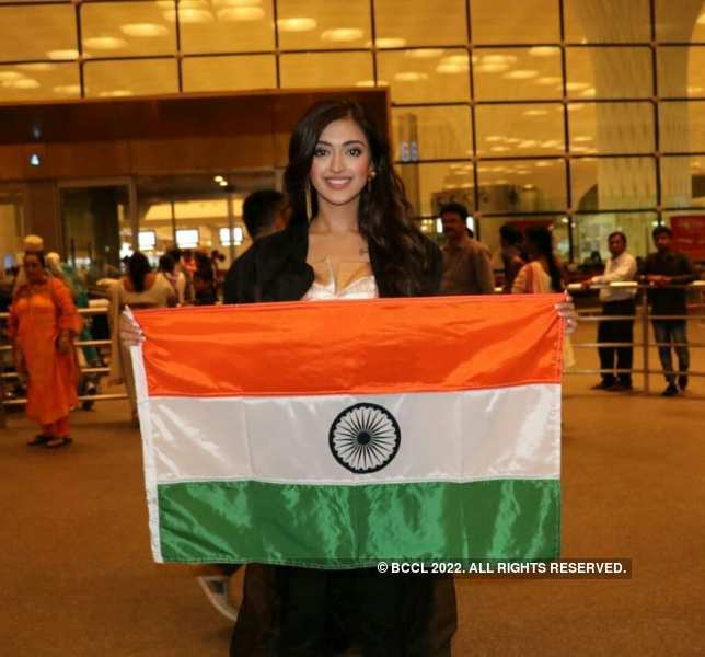 ​Gayatri Bhardwaj leaves for Miss United Continents 2018