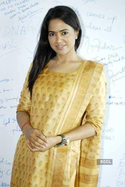 Sameera celebrates 'Ganesh Chaturthi'