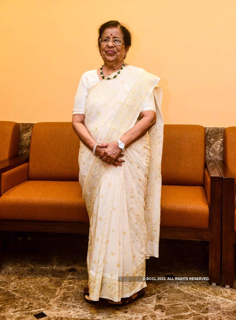 Meena Mangeshkar Khadikar announces a book based on legendary singer Lata Mangeshkar