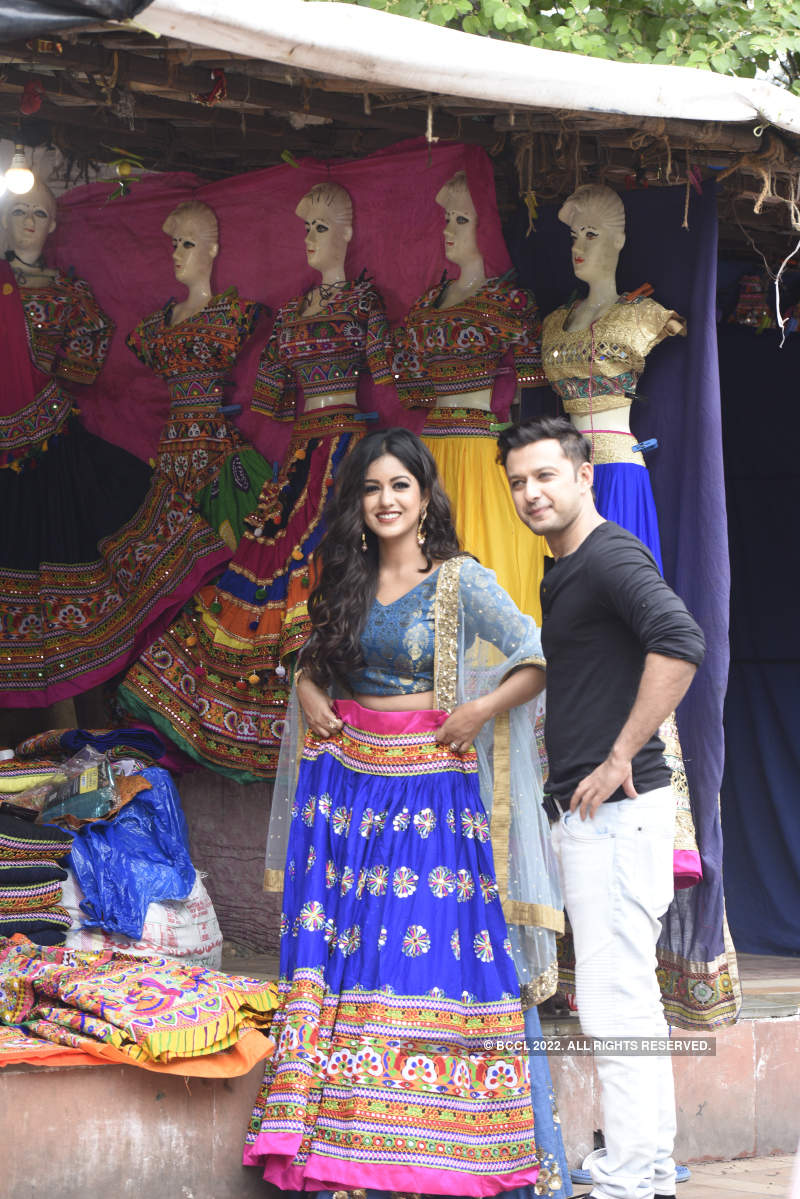 Vatsal Seth and Ishita Dutta visit Law Garden
