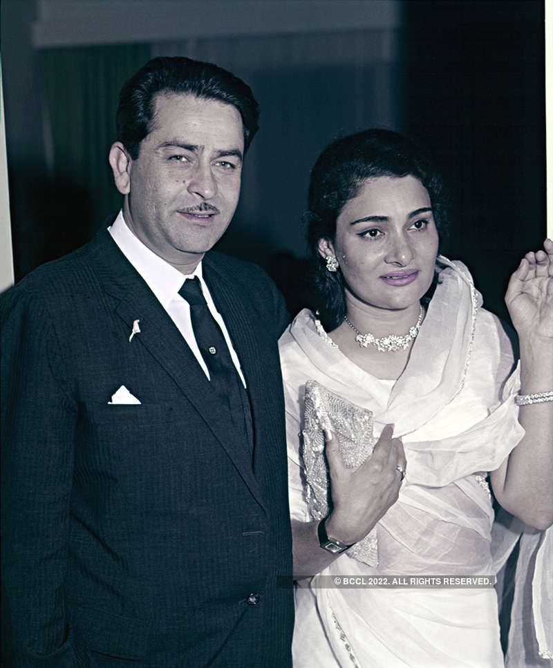 Rare and unseen pictures of Krishna Raj Kapoor, who passed away at 87
