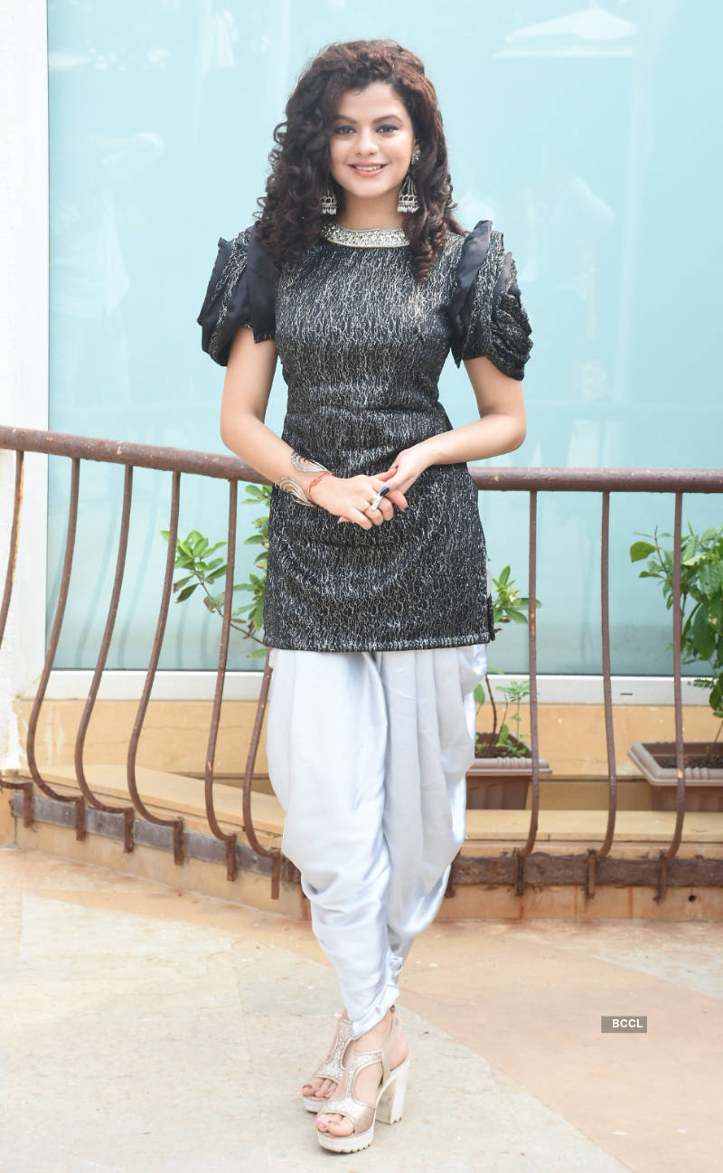 Celebs grace the Banega Swachh India Cleanathon campaign