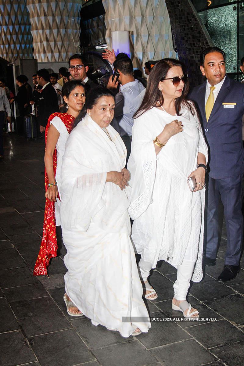 Bollywood celebrities join Kapoor khandaan at Krishna Raj Kapoor's prayer meet
