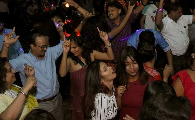 Party Nite (4)