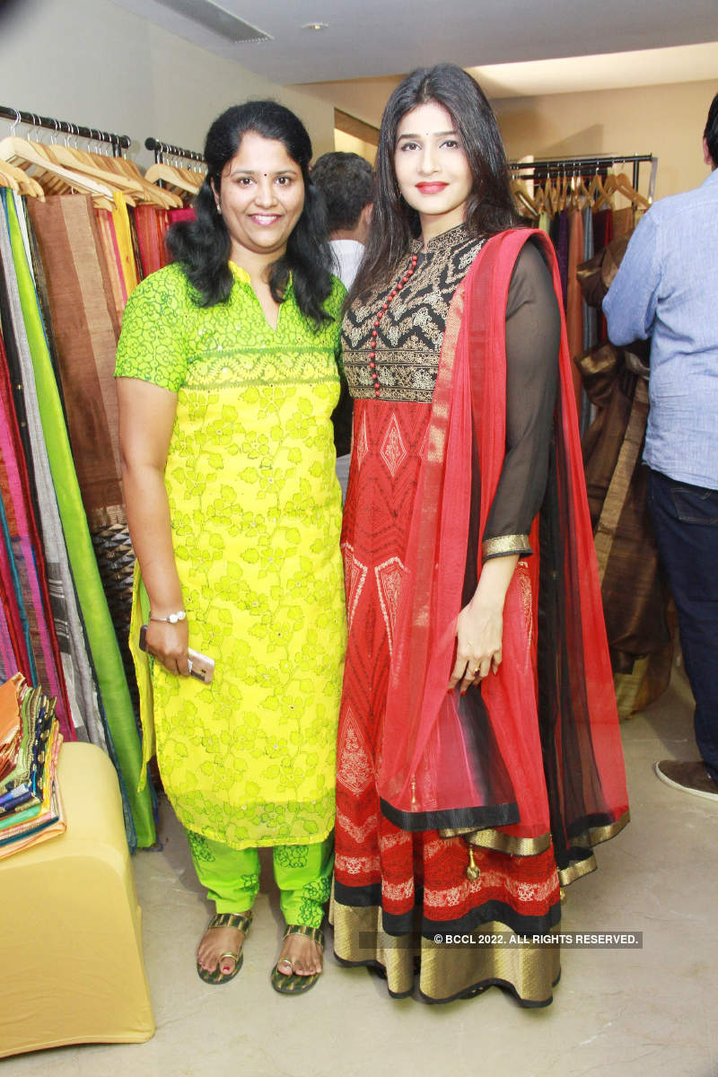 Anjena Kirti attends fashion and lifestyle pop-up show