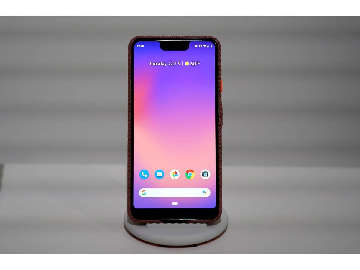Pixel 2 XL features 6.3-inch display and 3430 mAh battery capacity. Just like Pixel 3, Pixel 3 XL too is larger than its predecessor Pixel 2 XL (5.9-inch).
