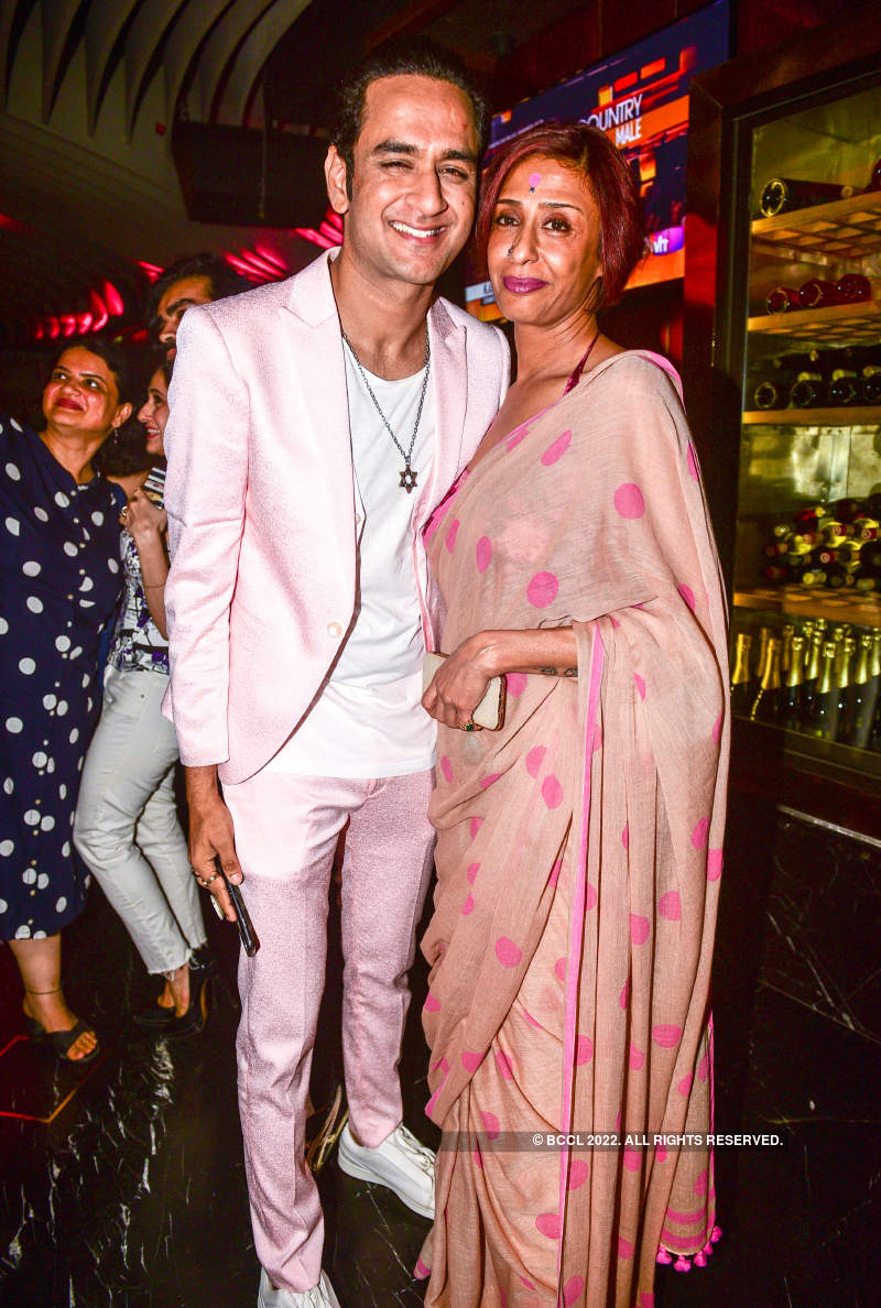 Celebs glam-up a restaurant launch party