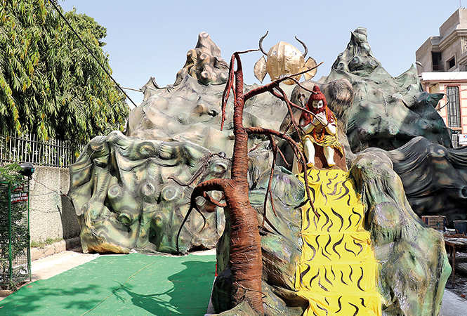 Lord Shiva's abode as theme of pandal of gulab bagh Durga Puja (BCCL/ Unmesh Pandey)