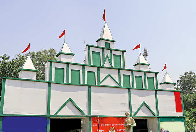 Temple Art pandal at BHU (BCCL/ Unmesh Pandey)