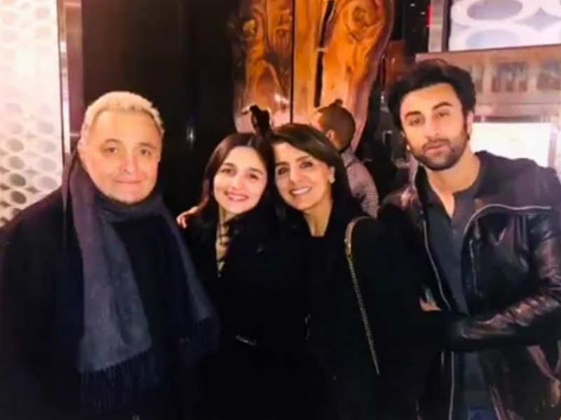Ranbir and Rishi Kapoor's wow moment with Robert De Niro. See pic