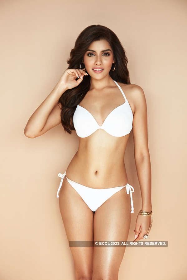 Aditi Hundia's never seen before sultry bikini pictures