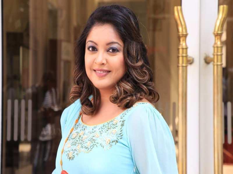 Tanushree Dutta gives befitting reply to lawyer