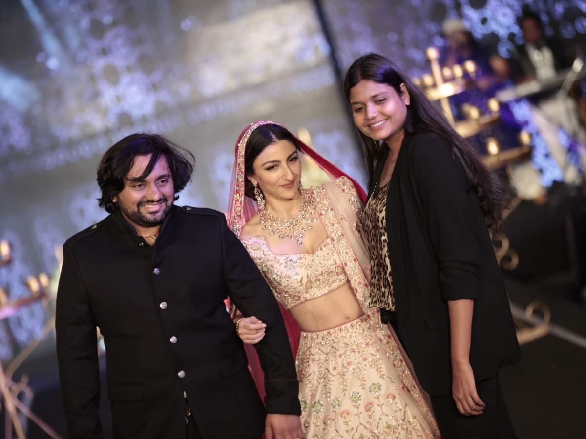 Soha Ali Khan for Bindani by Jigar and Nikita