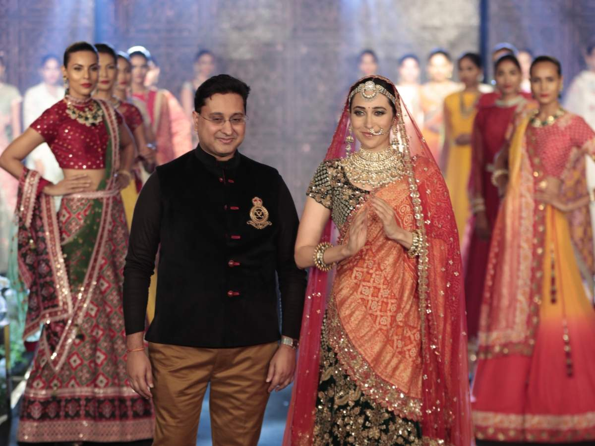 Karishma Kapoor for Shantanu Goenka