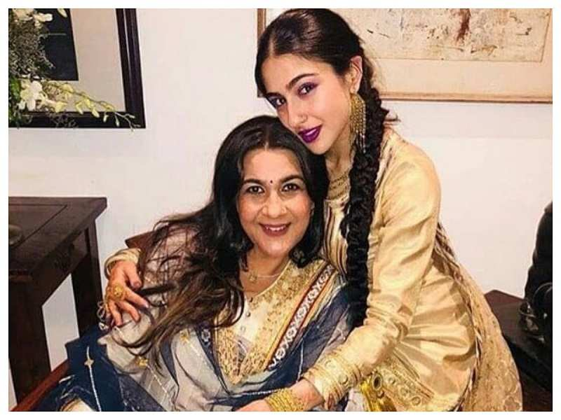 This Is What Amrita Singh Has To Say On Daughter Sara Ali Khan's Performance In The Teaser