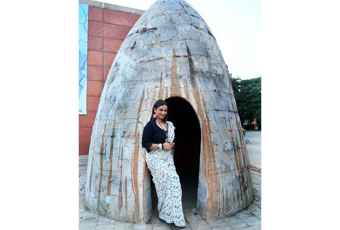 Divya Dutta posing for Jaipur Times