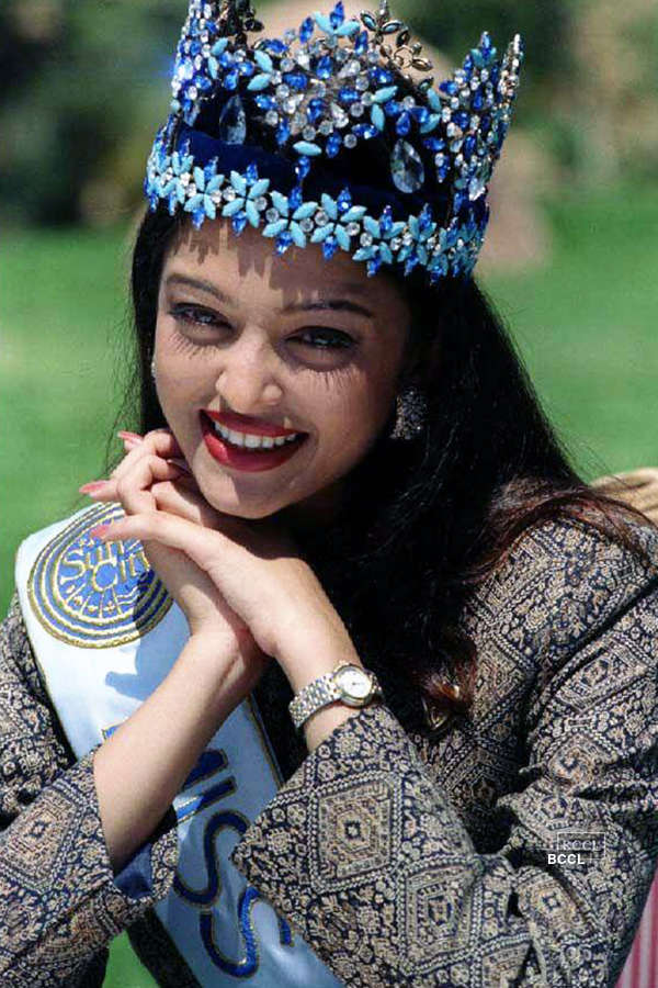 These rare & candid pictures prove that Aishwarya Rai Bachchan is a born diva