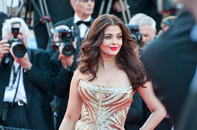 Aishwarya gold dress Cannes