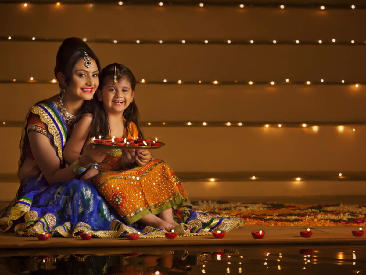 Happy Diwali 2020 Wishes Messages Sms Quotes Facebook Whatsapp Status Images Games Greetings Card Photo Wallpaper Pictures Pics Happy Diwali