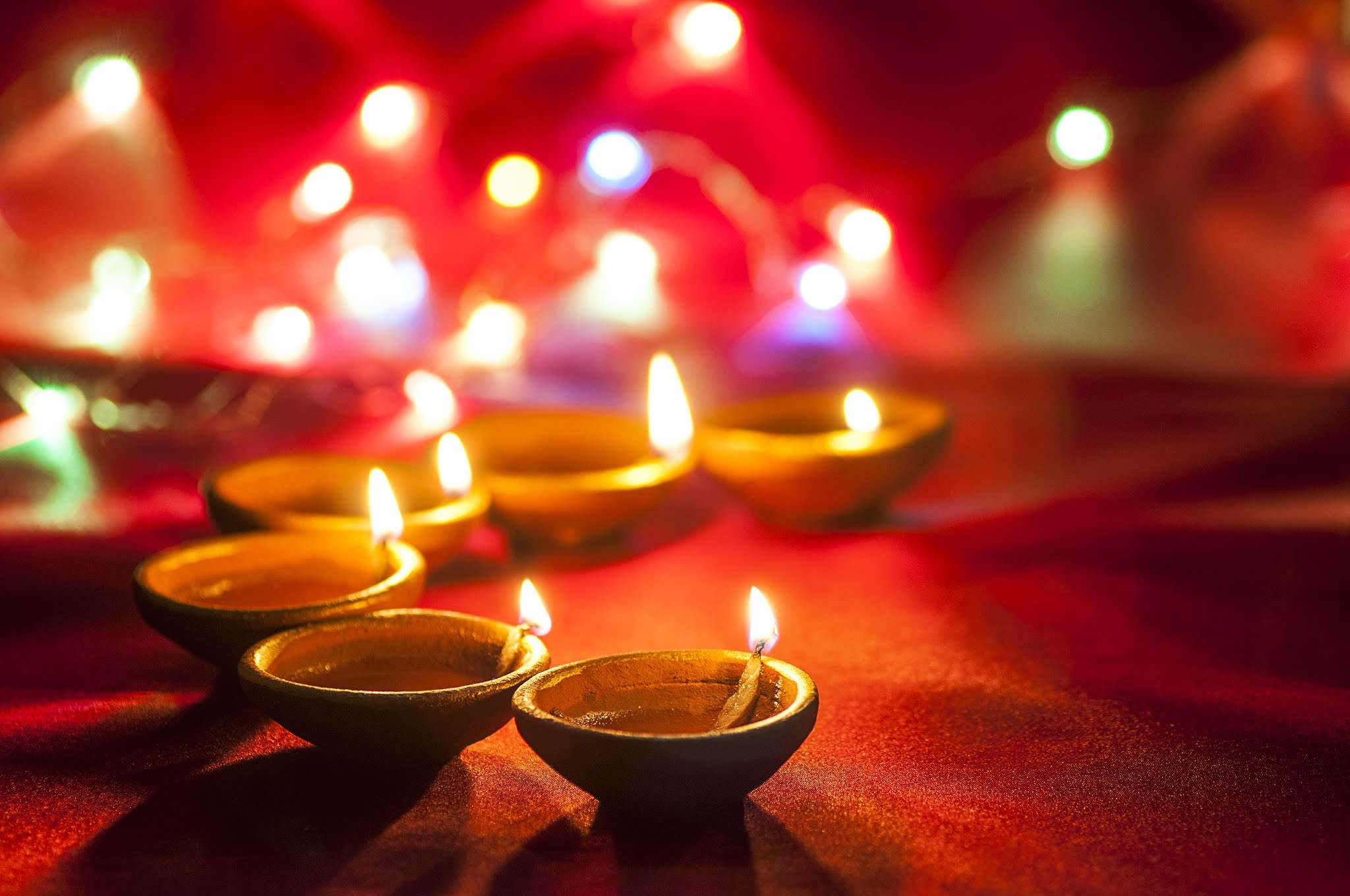 Happy Diwali 2018: WhatsApp messages, wishes, images