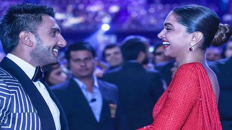 Bharat': Salman Khan laughs while Katrina Kaif signs mass