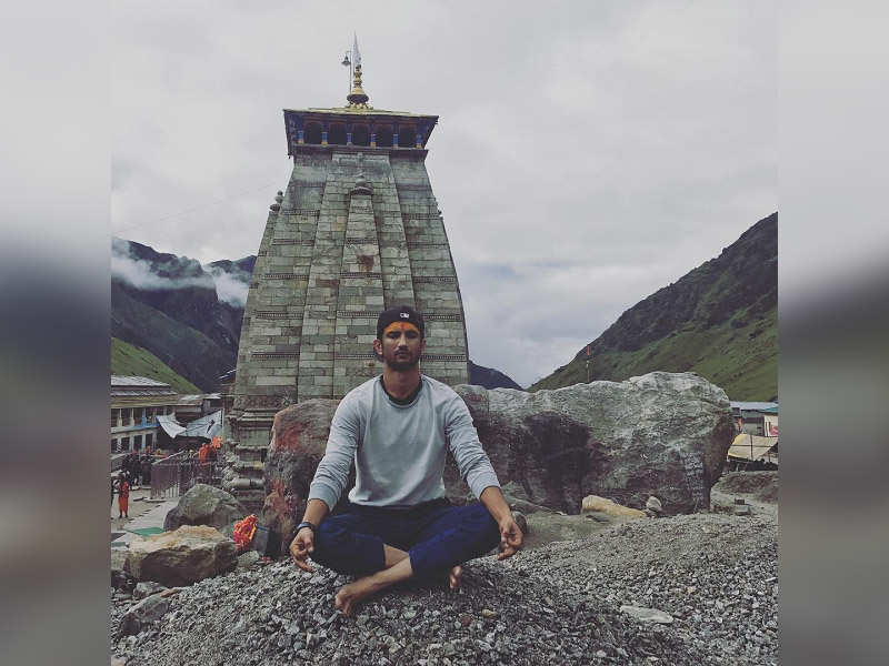 ​'Kedarnath': Abhishek Kapoor shares a throwback pic of Sushant Singh Rajput and the story behind it