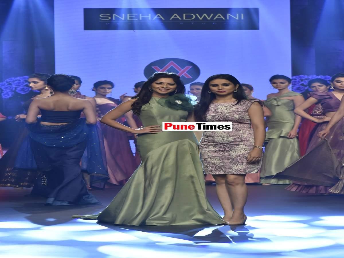 Sonalee_Kukarni_with_Sneha_Adwani (1)