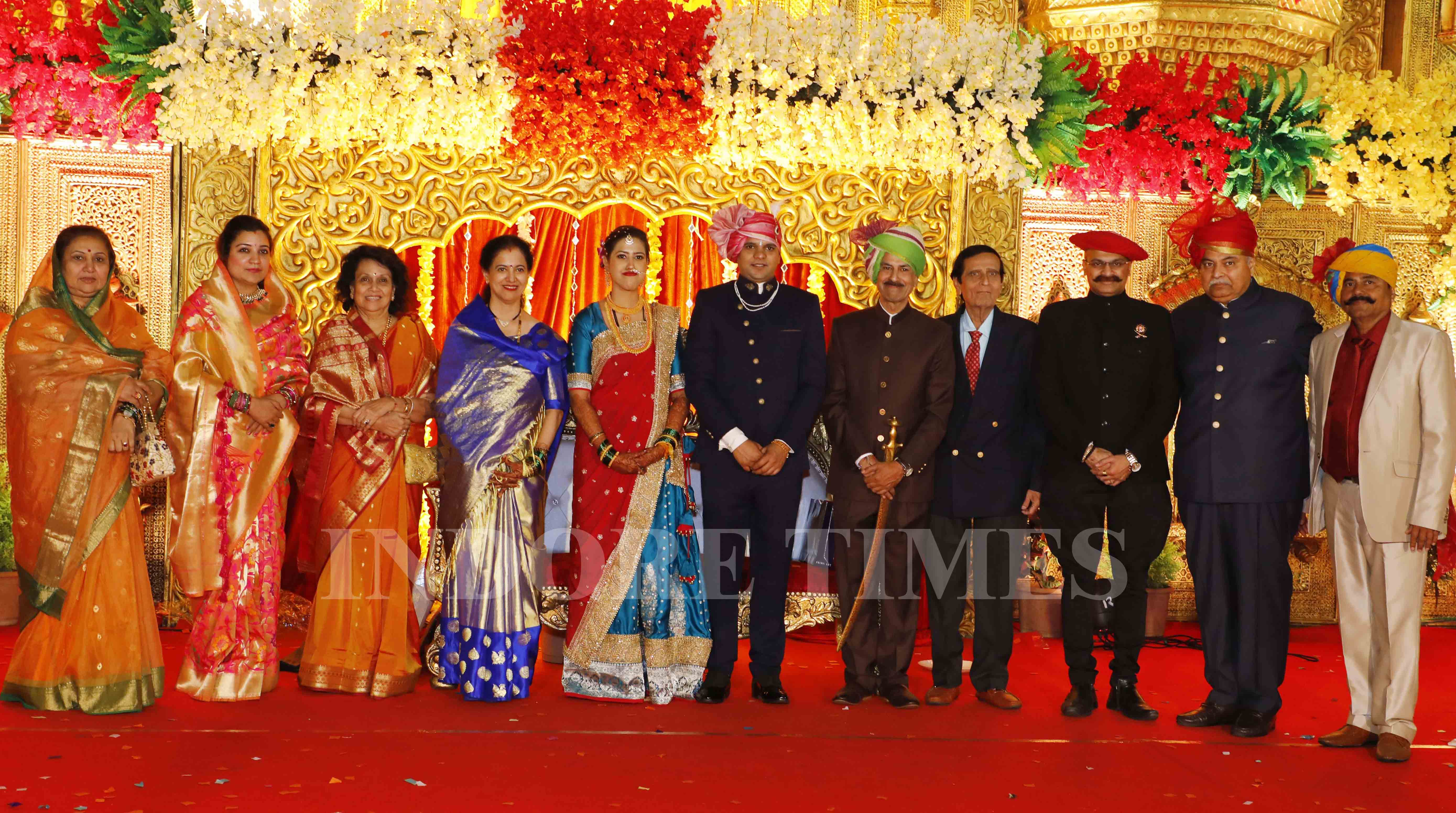 The Maratha royals with newly wed couple_edit