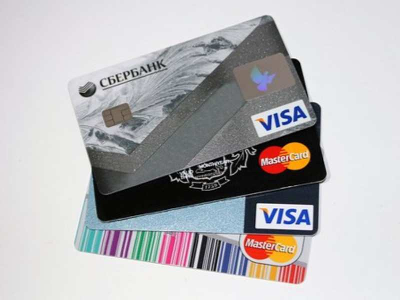 Credit/debit card frauds are on the rise: Stop doing these 10 things right now