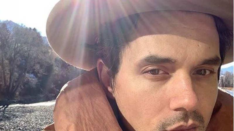 John Mayer has a flirty comment for Halsey
