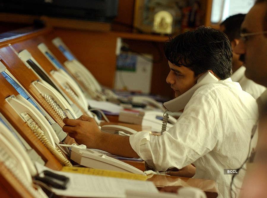 Sensex, Nifty turn cautious amid weak global cues