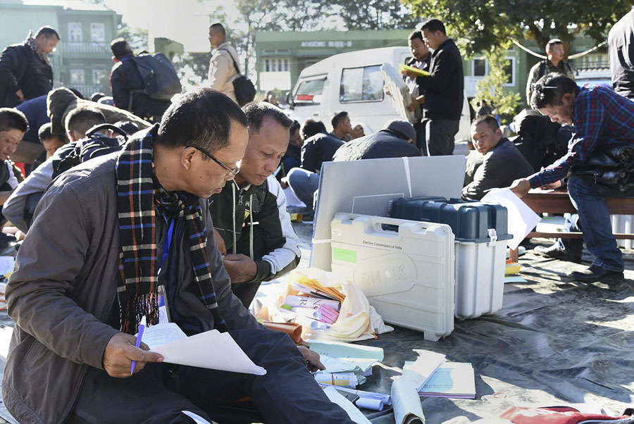 MP, Mizoram vote for new Assembly