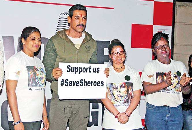 John lending support to the acid attack survivors for save the cafe campaign (BCCL/ Aditya Yadav)