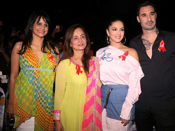 Nisha-Harale,-Smita-Thackeray,-Sunny-Leone-and-Daniel-Weber--1-at-Mukkti-Foundation's-Freedom-Parade-uniting-the-straight-&-LGBTQ-communities-for-HIV-awareness-on-World-AIDS-Day