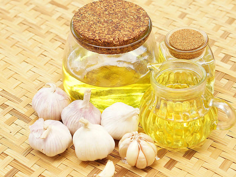 10 unbelievable uses of garlic oil no one told you about