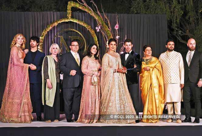 P1--Priyanka-Nick-Delhi-Reception-AKG_9028