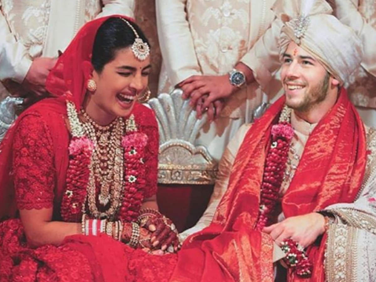Priyanka Chopra Hindu wedding red lehenga images