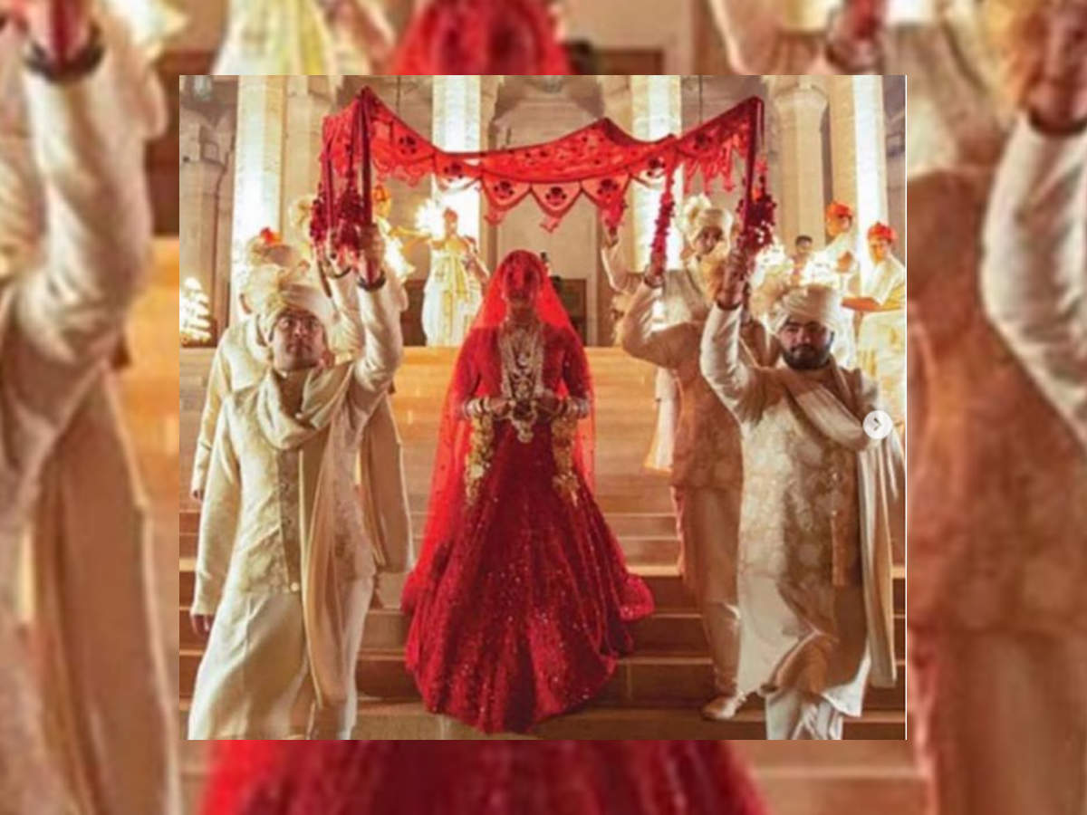 Priyanka Chopra Hindu wedding red lehenga photos images pictures marriage