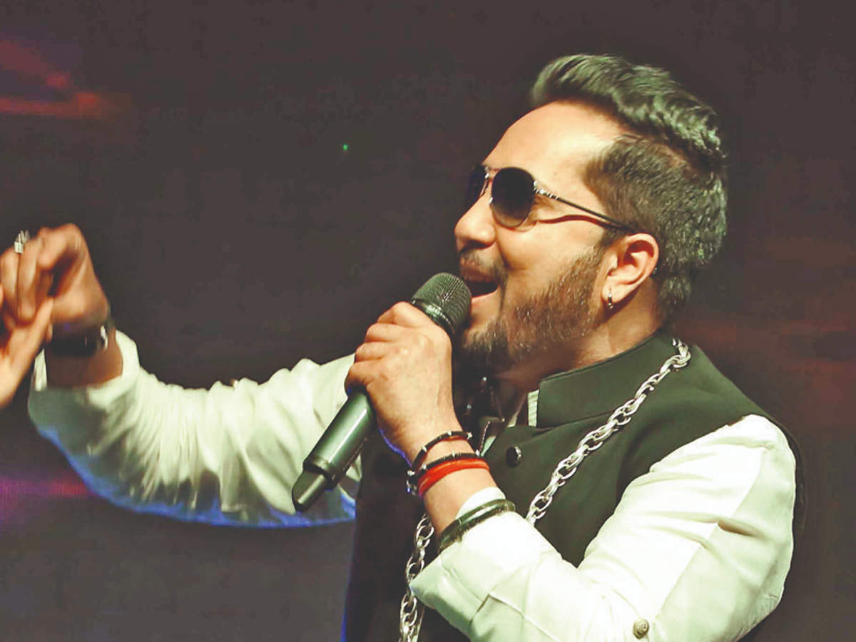 Sexual misconduct: Singer Mika Singh arrested in Dubai for sending obscene messages to 17-year-old model