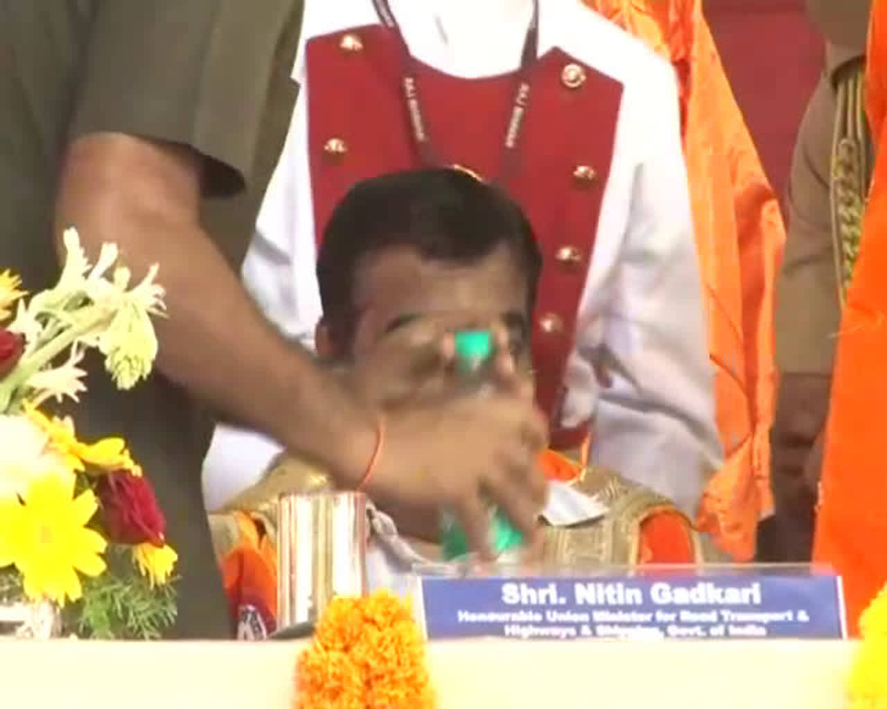 Ahmednagar: Union Minister of Road Transport and Highways Nitin Gadkari falls unconscious during the national anthem in Rahuri