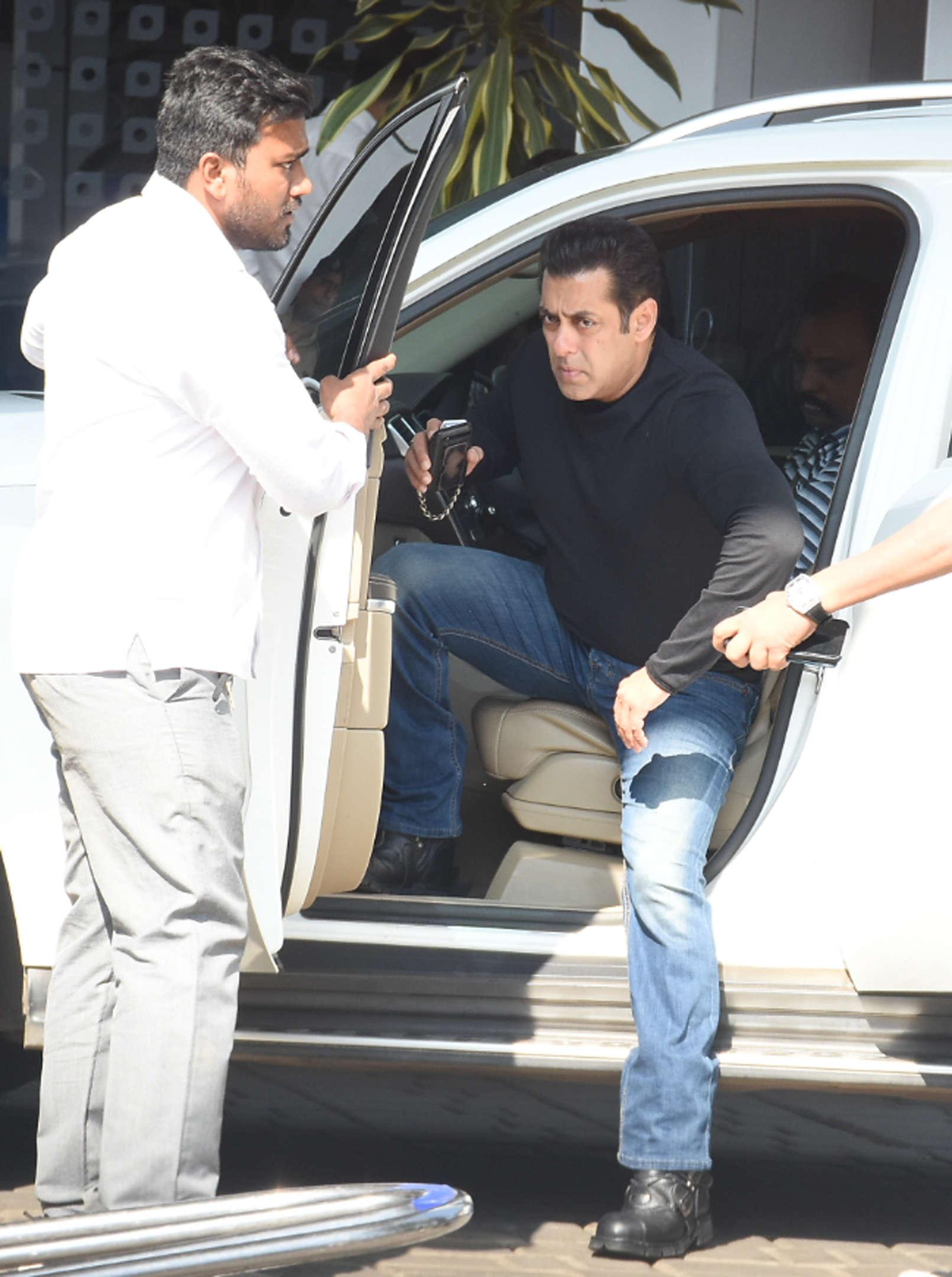Salman Khan at Isha Ambani and Anand Piramal wedding