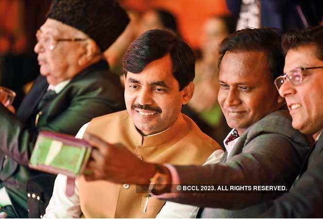 AKG_0943-Shahnawaz-Hussain,-National-Spokesperson,-BJP-with-Udit-Raj,-MP