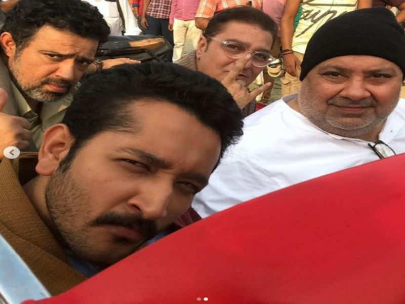 Parambrata shoots for Seema Pahwa's 'Pind Daan' in Lucknow