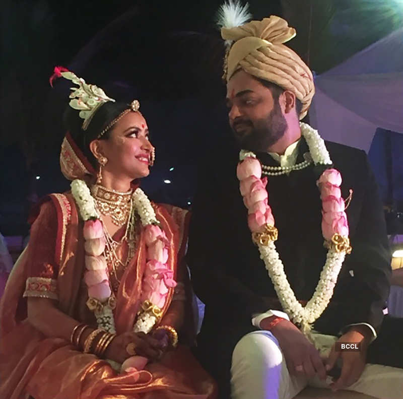 First pictures from Makdee actress Shweta Basu Prasad's traditional wedding