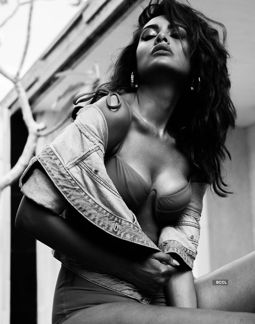 Esha Gupta sets hearts racing with her captivating pictures