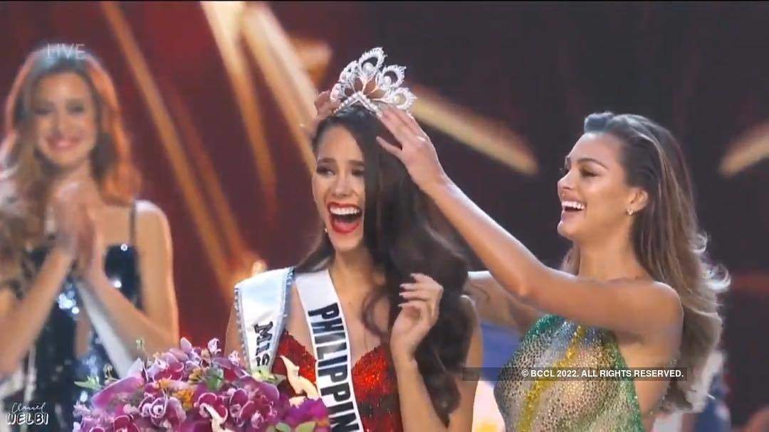 Catriona Gray from Philippines crowned Miss Universe 2018
