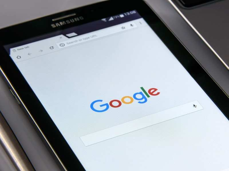 Google has acknowledged the issue but the option to edit phone numbers continues to exist